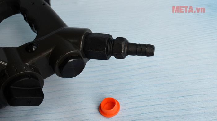 Trục cắm khí vào có 3 nấc phù hợp với nhiều loại ống