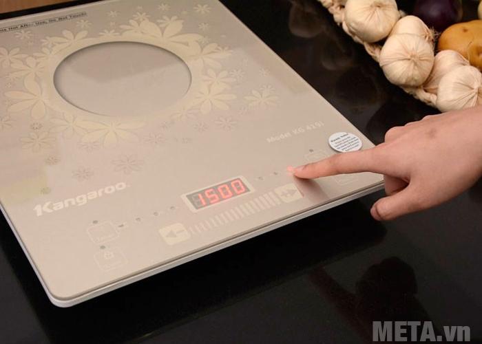Bếp từ Kangaroo có màn hình cùng đèn led hiển thị