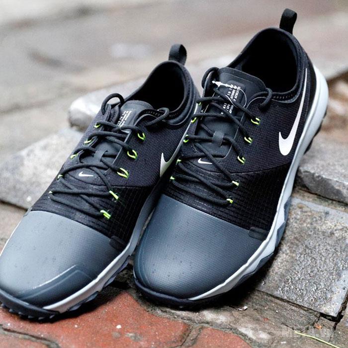 Giày golf có dây thắt đan chắc chắn