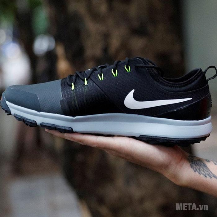 Giày golf màu xanh đen