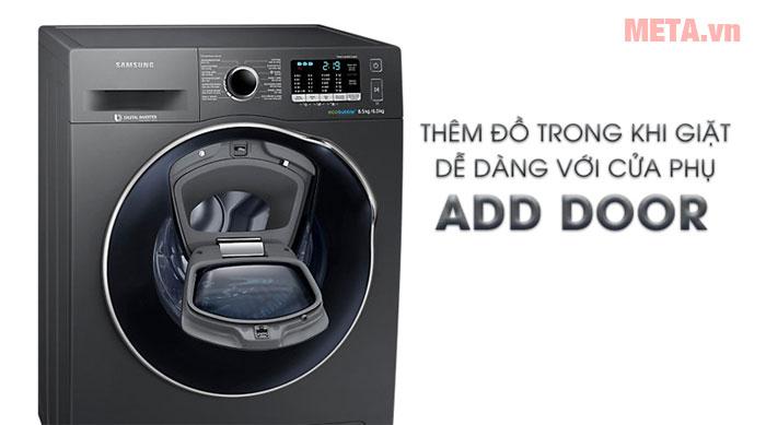 Có thể thêm đồ giặt dễ dàng