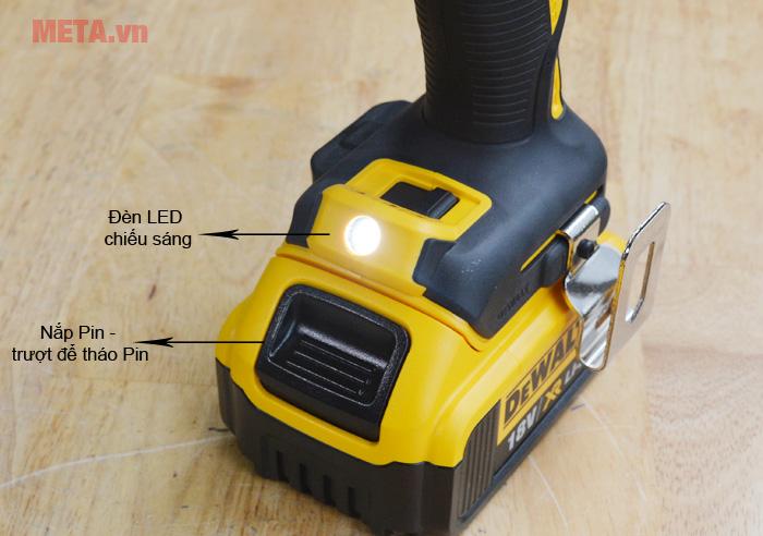 Đèn LED chiếu sáng và nắp Pin tiện lợi