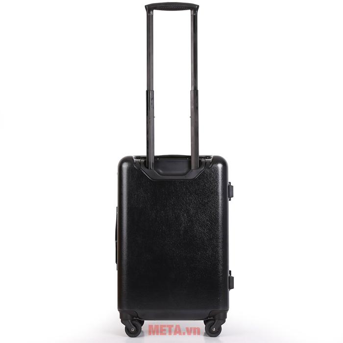 Bề mặt vali được thiết kế sang trọng