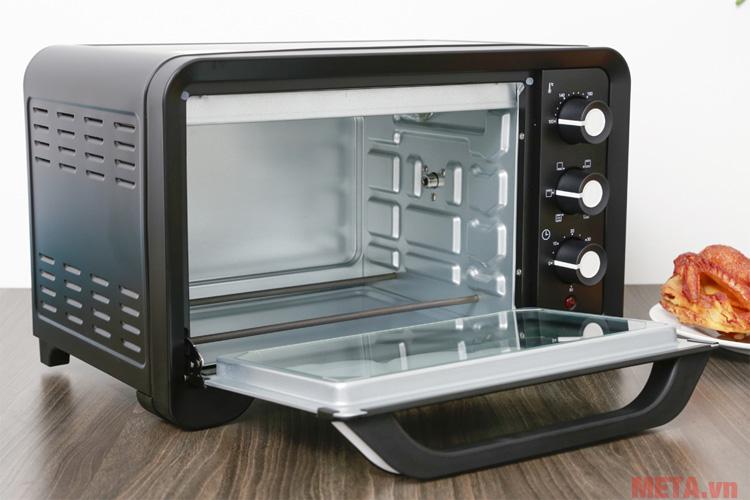 Cửa lò hai lớp giúp cách nhiệt ổn định hơn