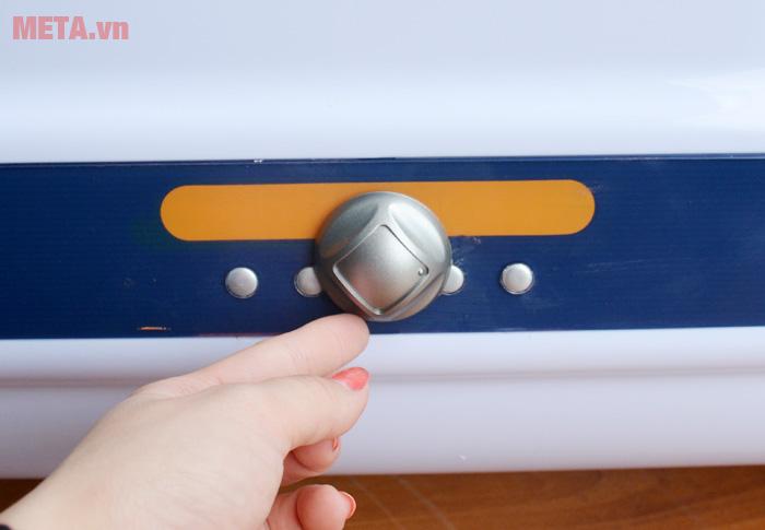 Bình nóng lạnh gián tiếp Ferroli QQ 50L chống giật 2.500W có núm vặn dễ điều chỉnh