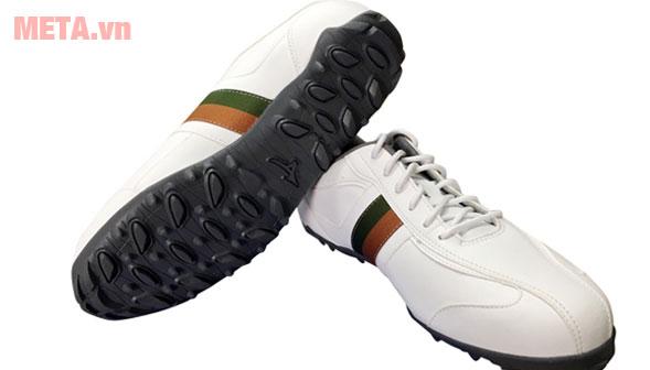 Đôi giày chơi golf