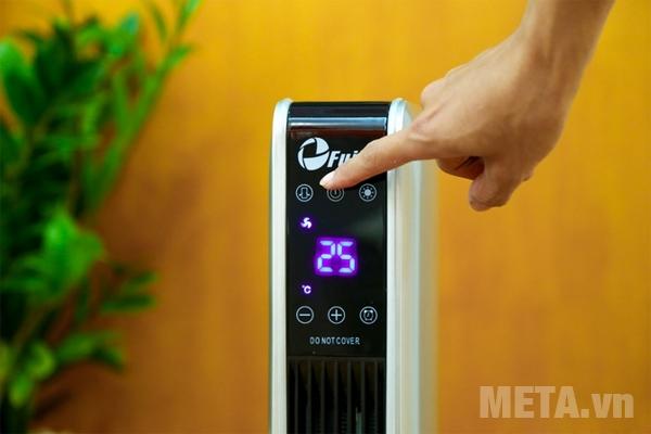 Quạt sưởi FujiE CH-2200 có màn hình hiển thị dễ dàng quan sát