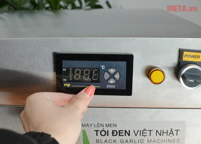 Màn hình hiển thị và nút điều chỉnh nhiệt độ dễ sử dụng
