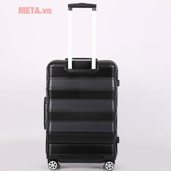 Mặt sau chiếc vali