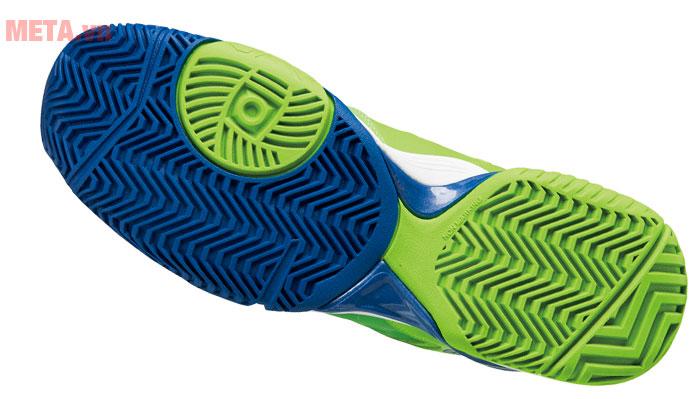 Giày tennis có đế ma sát