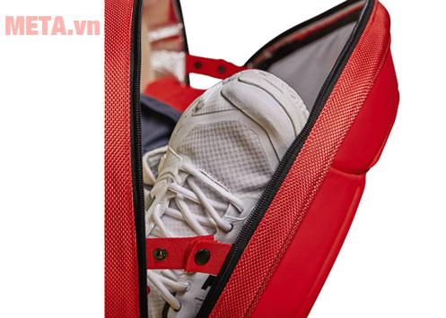 Túi tennis đựng được nhiều đồ dùng