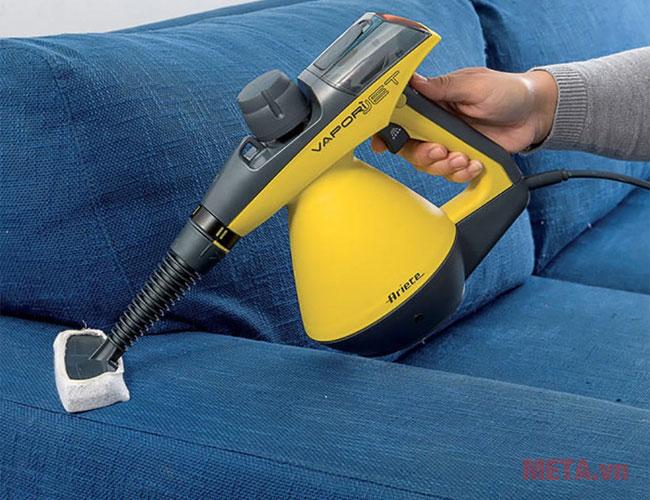 Thay thế chiếc máy hút bụi vệ sinh bề mặt ghế sofa