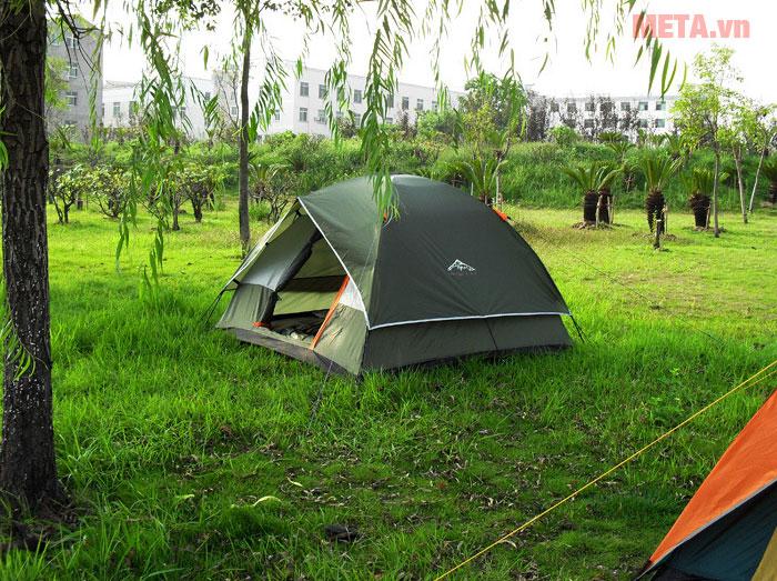 Lều trại có cửa rộng