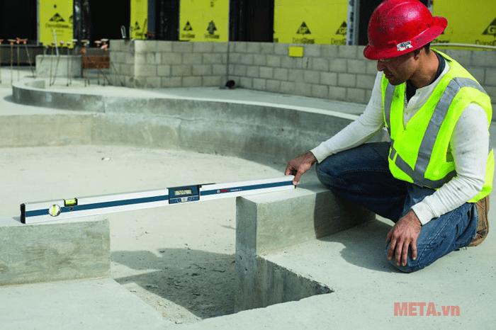 Thước đo nghiêng kỹ thuật số Bosch