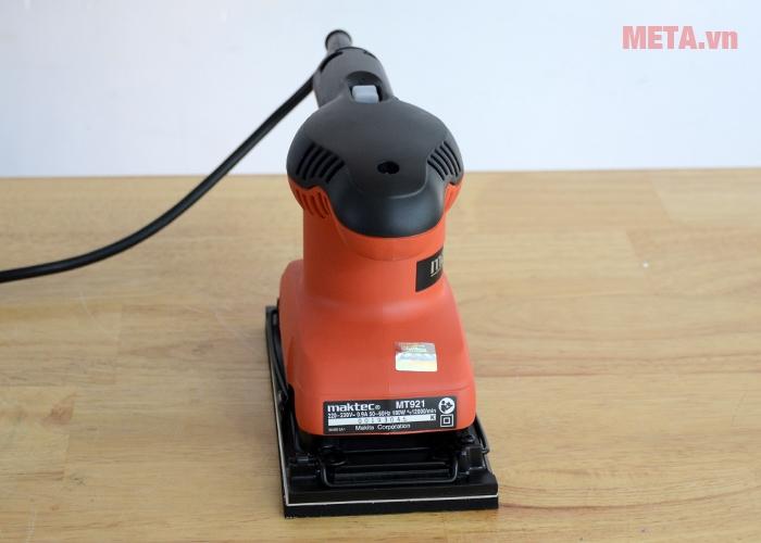 Máy chà nhám Maktec MT921 có thiết kế nhỏ gọn