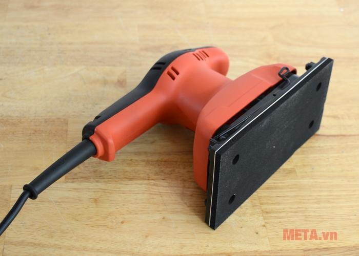 Máy chà nhám Maktec MT921 có thiết kế chắc chắn