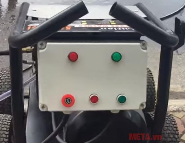Máy hoạt động với công suất và áp lực lớn