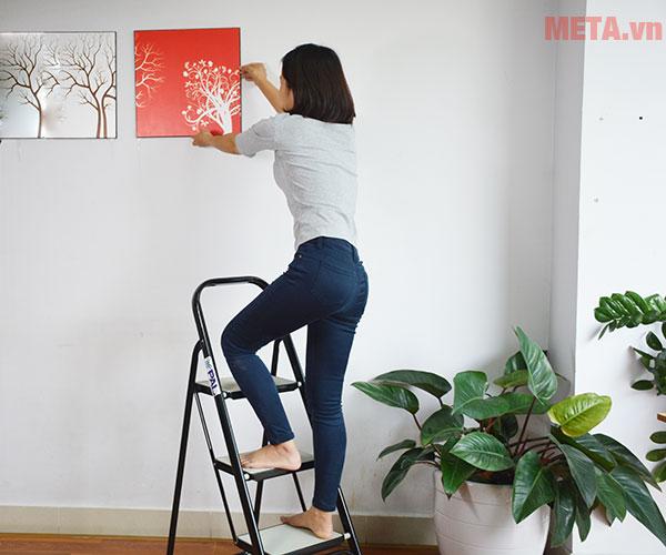 Thang ghế giúp hỗ trợ các công việc trong nhà