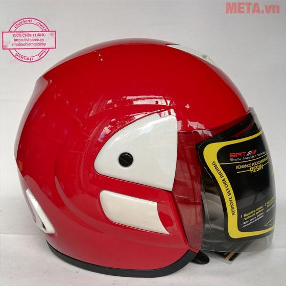 Mũ bảo hiểm màu đỏ