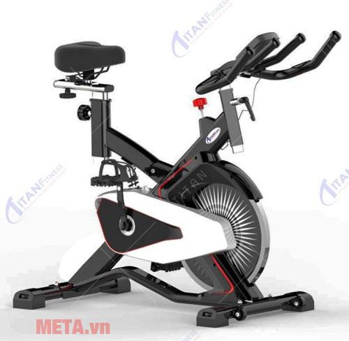 Xe đạp tập thể lực