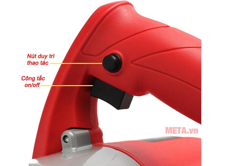 Nút công tắc và nút duy trì tốc độ được thiết kế tiện lợi trên tay cầm