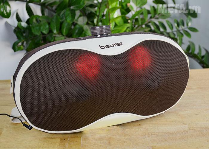 Gối massage có thiết kế đèn hồng ngoại