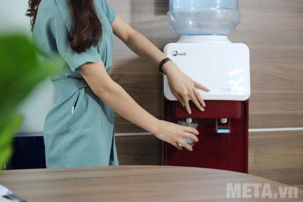2 vòi nước nóng/lạnh tiện lợi