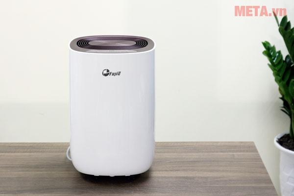 Máy hút ẩm dân dụng FujiE HM-912EC-N có màu trắng trang nhã