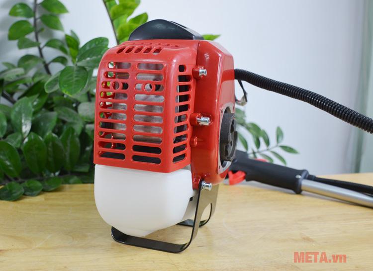 Khe tản nhiệt động cơ máy cắt cỏ