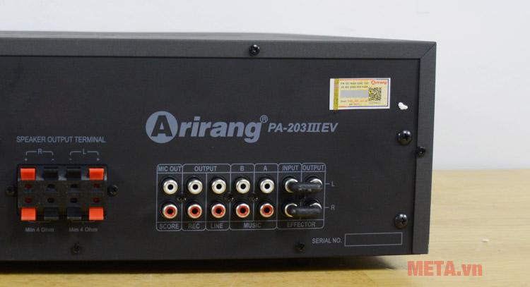 Cổng kết nối với máy tăng âm