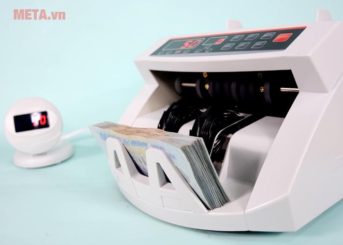 Máy đếm tiền Silicon MC-2200 đếm được nhiều loại tiền khác khau