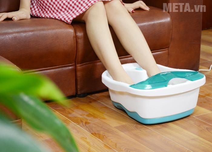 Bồn ngâm massage chân Max-641D giúp thư giãn đôi bàn chân