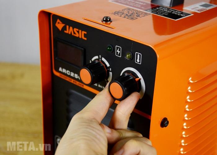 Máy hàn que Jasic ARC-250I núm vặn điều chỉnh dòng hàn