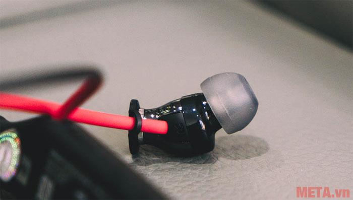 Bạn có thể sử dụng pin của tai nghe trong thời gian 10 giờ