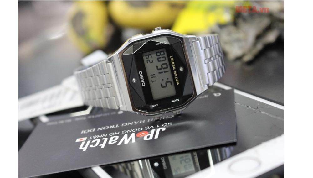 Đồng hồ nam điện tử