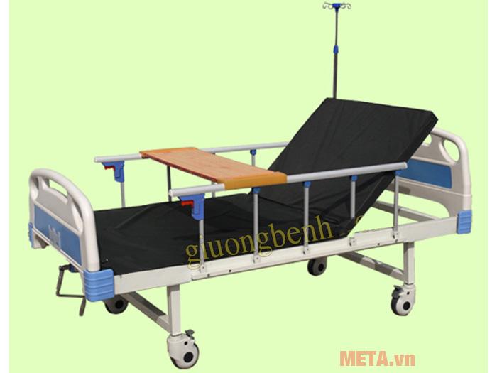 Giường bệnh nhân có bô