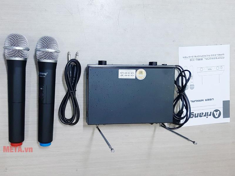 Micro không dây karaoke