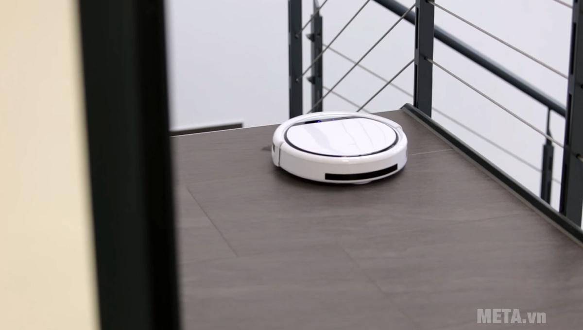 Robot Medion MD 18501 có cảm biến