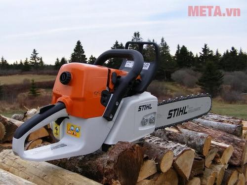Máy cưa gỗ