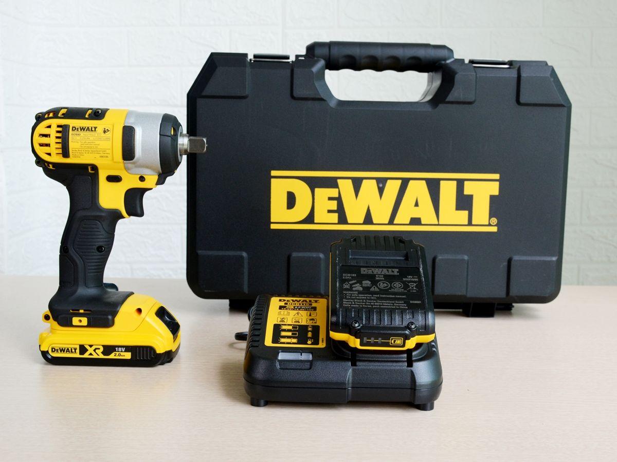 Máy vặn vít dùng pin Dewalt DCF880D2