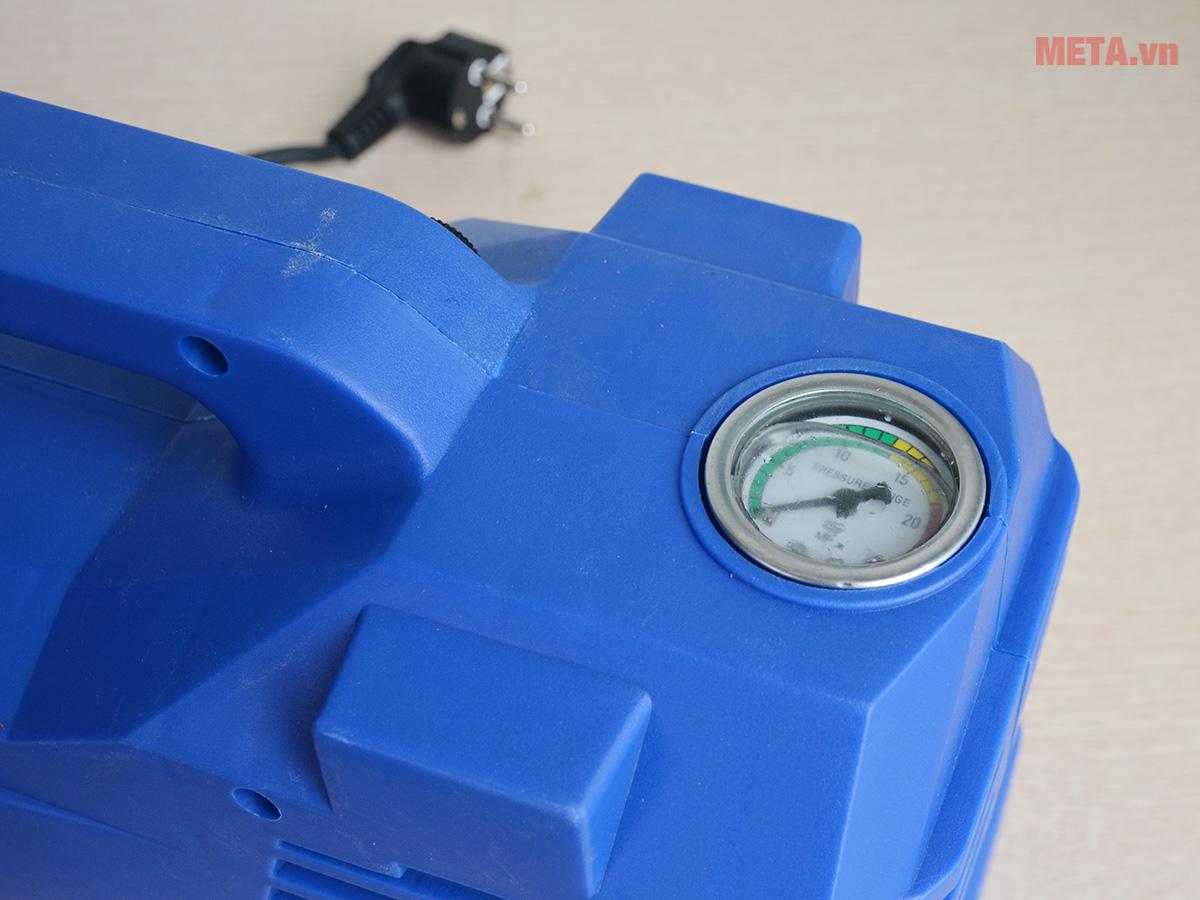 Máy xịt rửa có đồng hồ đo áp lực