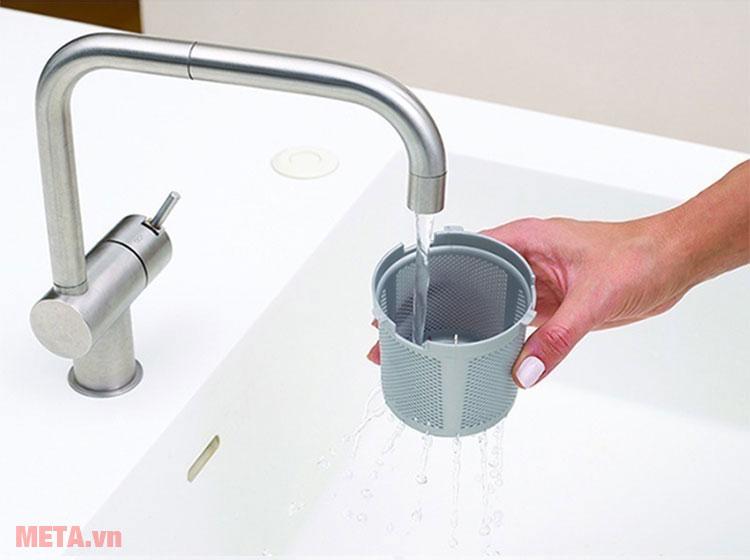 Tấm chắn lọc bên ngoài có thể vệ sinh với nước sạch