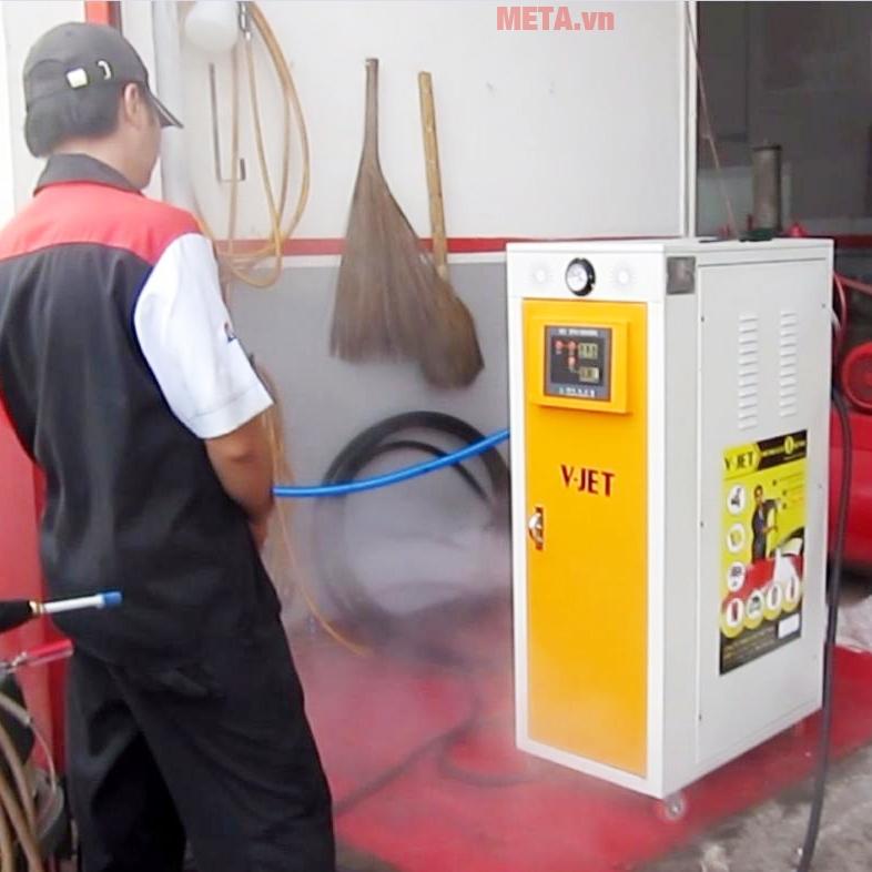Máy bơm rửa xe nước nóng