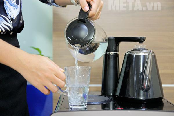 Cây nước nóng lạnh pha trà