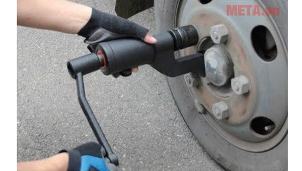 Bộ dụng cụ mở ốc lốp ô tô tải