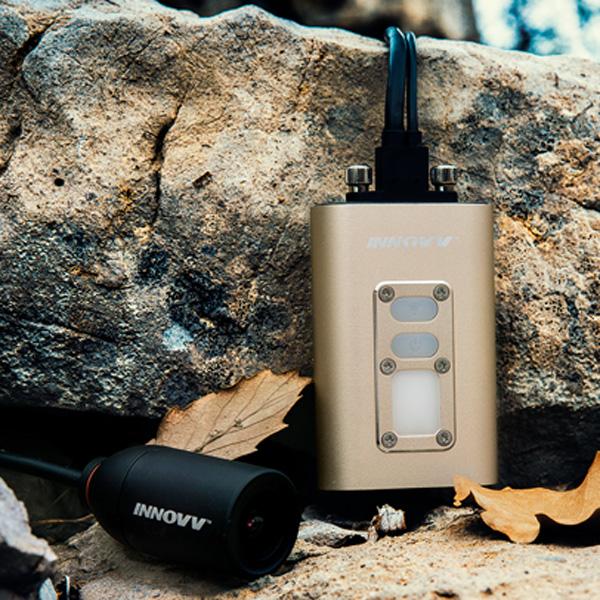 Camera Innovv C5 có thiết kế nhỏ gọn, sử dụng năng lượng trực tiếp từ xe máy