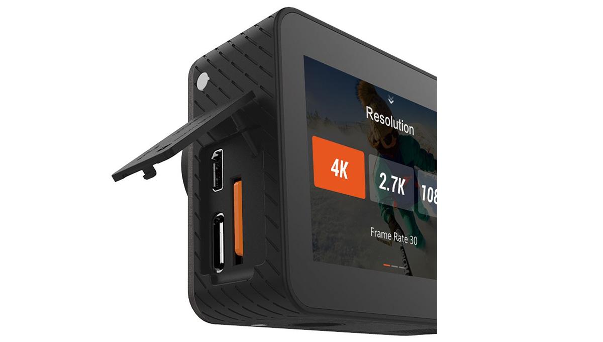 Camera Ezviz S6 4K hỗ trợ khe thẻ nhớ dung lượng khủng