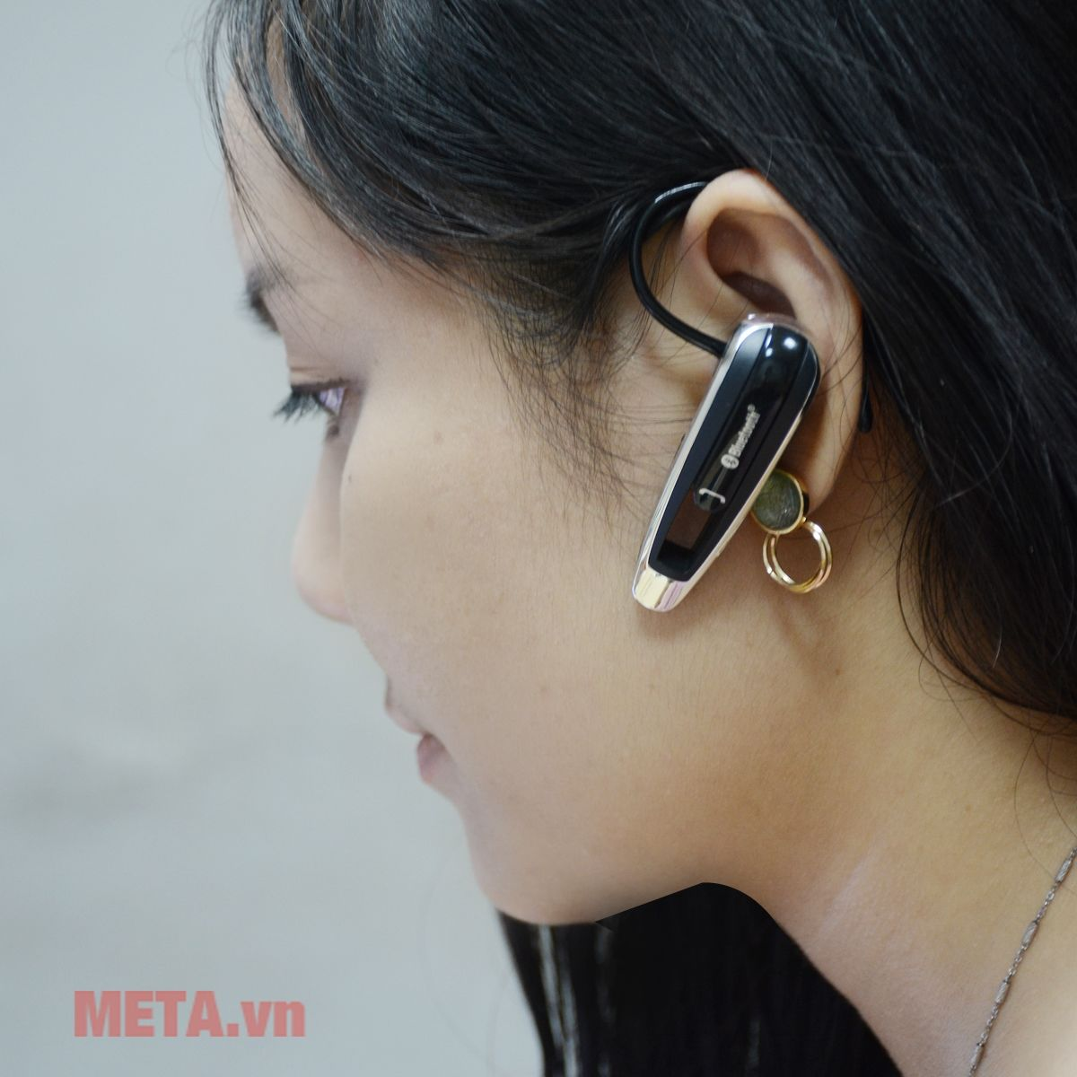 Tai nghe bluetooth Kashimura BL - 44 với nút gài tai mềm mại