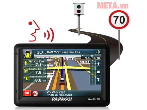 Papago Waygo 500 hỗ trợ dẫn đường, đọc biển báo giao thông, cảnh báo giới hạn tốc độ