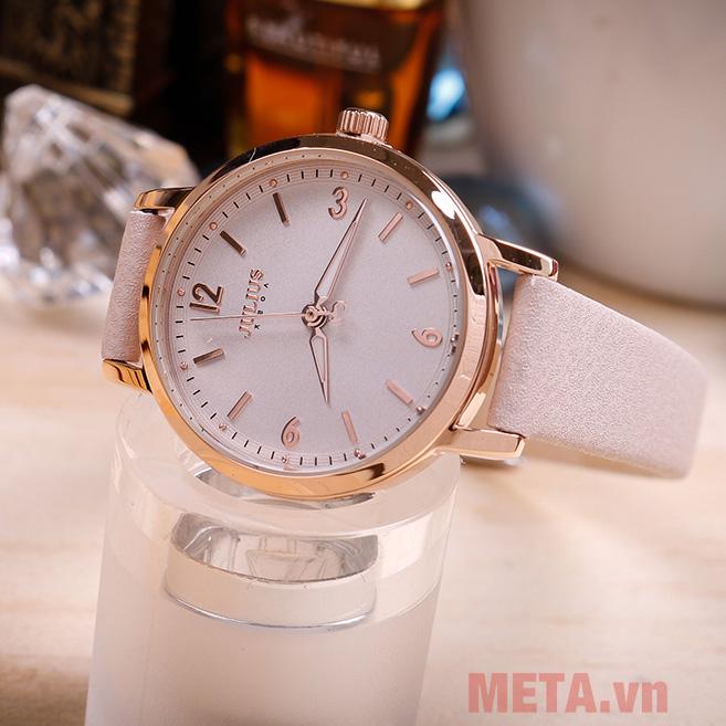 Đồng hồ nữ màu kem